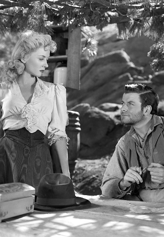 Gloria-Grahame-as-Mary-Wells-with-Jeff-C