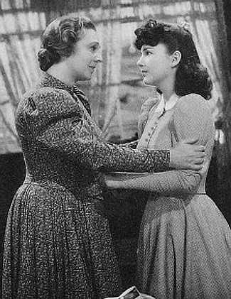 Marjorie Rambeau as Josie Johnson with her daughter Joan (Anne Baxter in her film debut) in 20 Mule Team (1940)