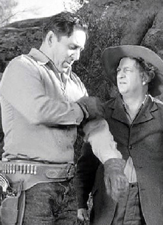 George O'Brien with Larry Fine in Gold Raiders (1951)
