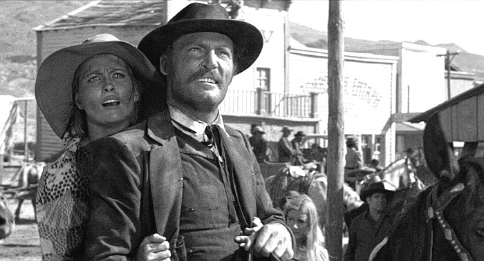 Faye Dunaway as Katie Elder and Stacey Keach as Doc Holliday in Doc (1971)