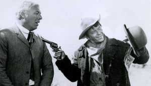 George Kennedy as Sheriff Hope Birdsill and Frank Sinatra as Dingus Magee in Dirty Dingus Magee (1970)