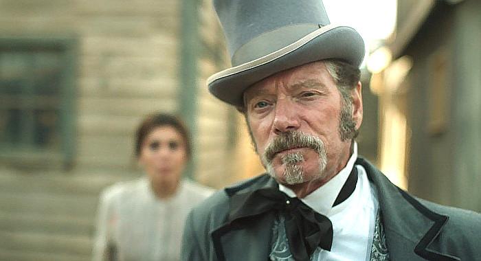 Stephen Lang as Mayor Pierce in Justice (2017)