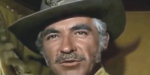 Guillermo Mendez as The Major in Three Silver Dollars (1968)