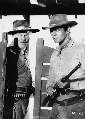 Jay Flippen as Jake Leffertfinger and Don Murray as Tod Lohman in From Hell to Texas (1958)
