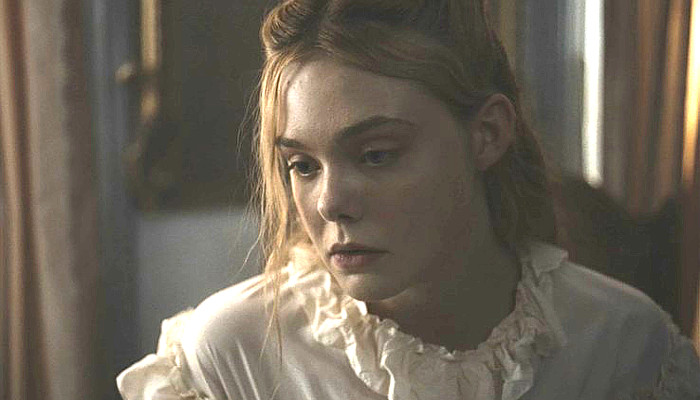 Elle Fanning as Alicia in The Beguiled (2017)
