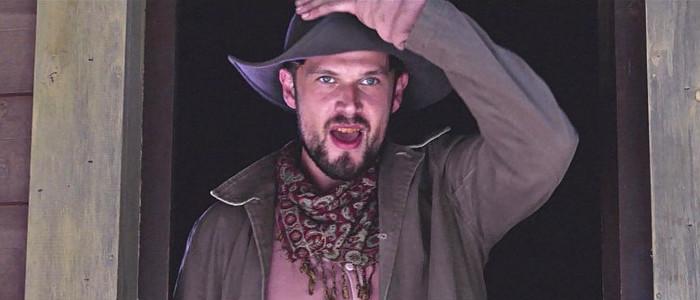 Ken Luckey as Two-Gun Joe Ross in 6 Bullets to Hell (2016)