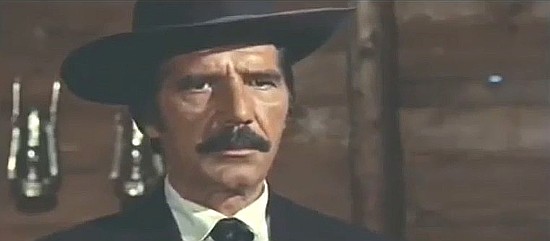 Mario Dardanelli as Jefferson in Mallory Must Not Die (1971)