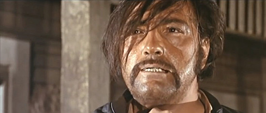 Cesar Ojinaga as bandit leader Navarro in Don't Wait, Django, Shoot! (1967)