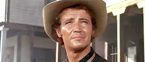 Hugo Blanco as David MacGregor in Seven Guns for the MacGregors (1967)