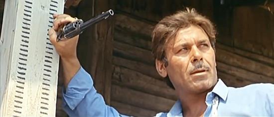 Vincenzo Musolino (Bill Jackson) as hired gun Hondo in Don't Wait, Django, Shoot! (1967)